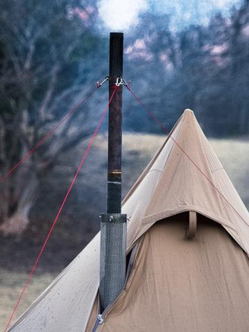 真冬にキャンプで薪ストーブ